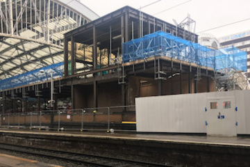 Edge protection for Liverpool Lime Street Station from Crossway Scaffolding